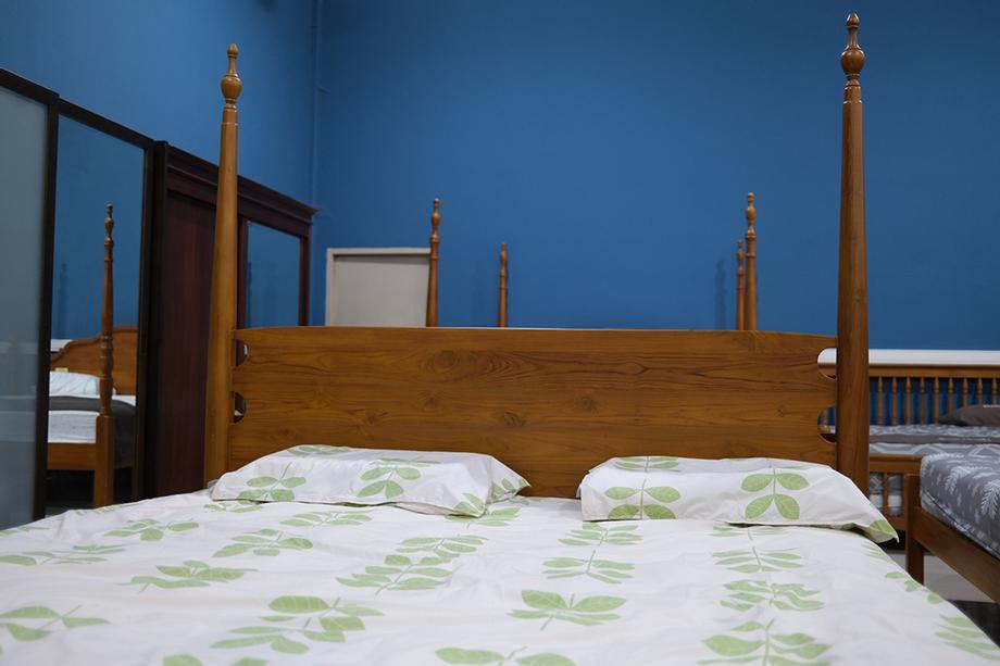 หัวเตียงแบบทึบ หรือแบบโปร่ง
